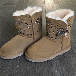 Ugg girls boots 12 new